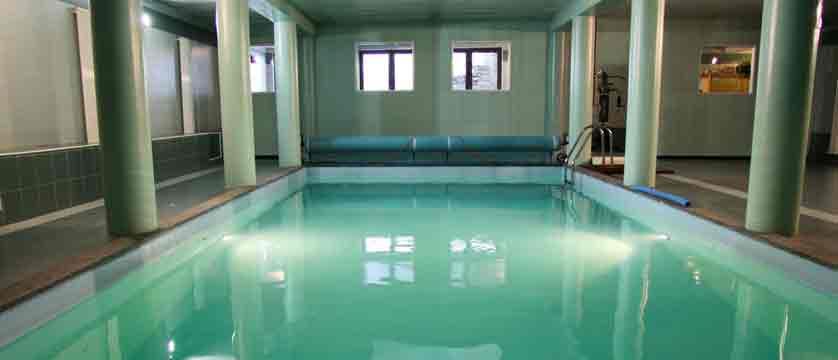 italy_pila-aosta_hotel-lion-noir_indoor-pool.jpg